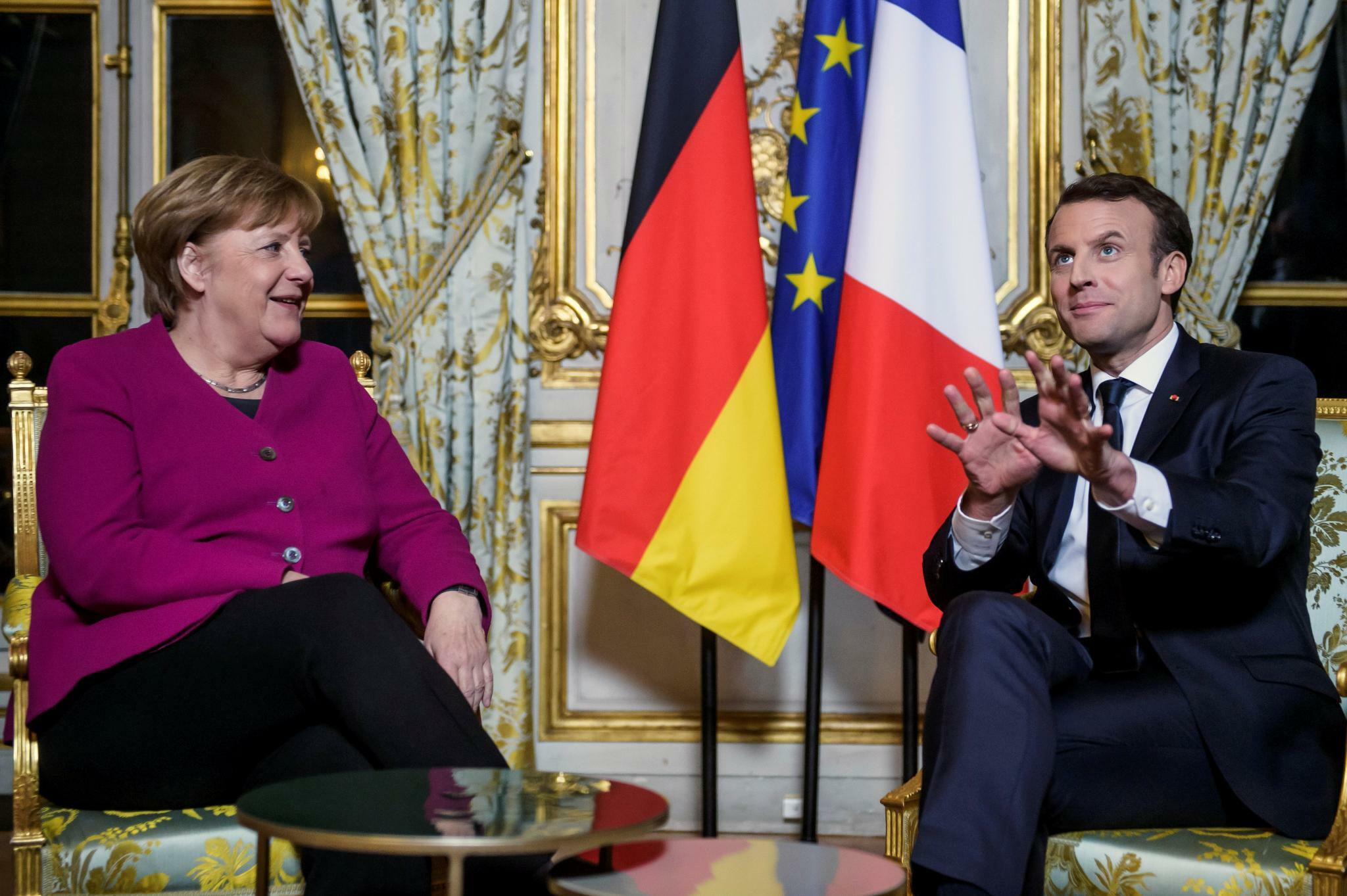 http://tagesspiegel.de/images/-french-president-emmanuel-macron-and-german-chancellor-angela-merkel-react-during-their-meeting-at-the-elysee-palace-in-paris/20869100/1-format43.jpg