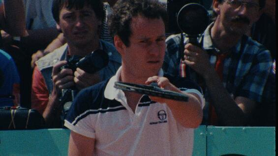 "John McEnroe, ein Bild aus den Achtzigern, in ""L'empire de perfection"""