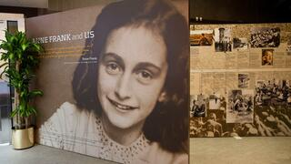 Bild von Anne Frank im Anne Frank Center in New York City.