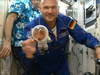 Der deutsche Astronaut Alexander Gerst schwebt in die Internationale Raumstation (ISS).