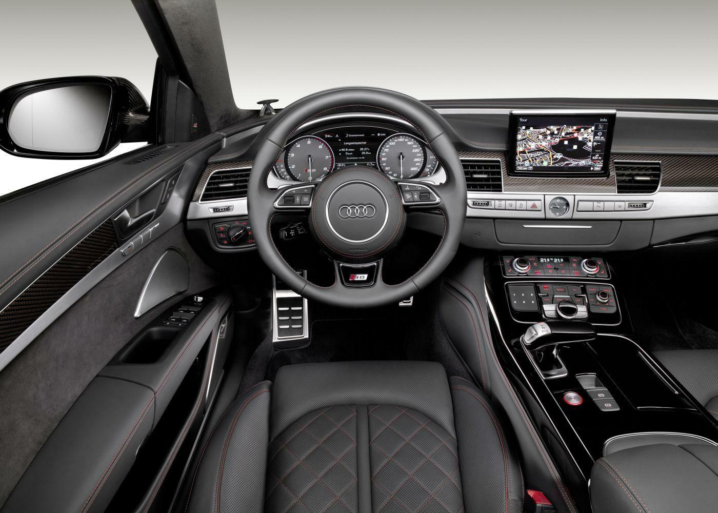 testfahrt mit der sportlimousine audi s8 plus. Black Bedroom Furniture Sets. Home Design Ideas