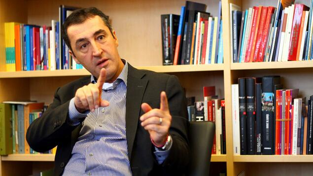cem zdemir im interview man braucht ein verdammt dickes fell f r diesen job politik. Black Bedroom Furniture Sets. Home Design Ideas