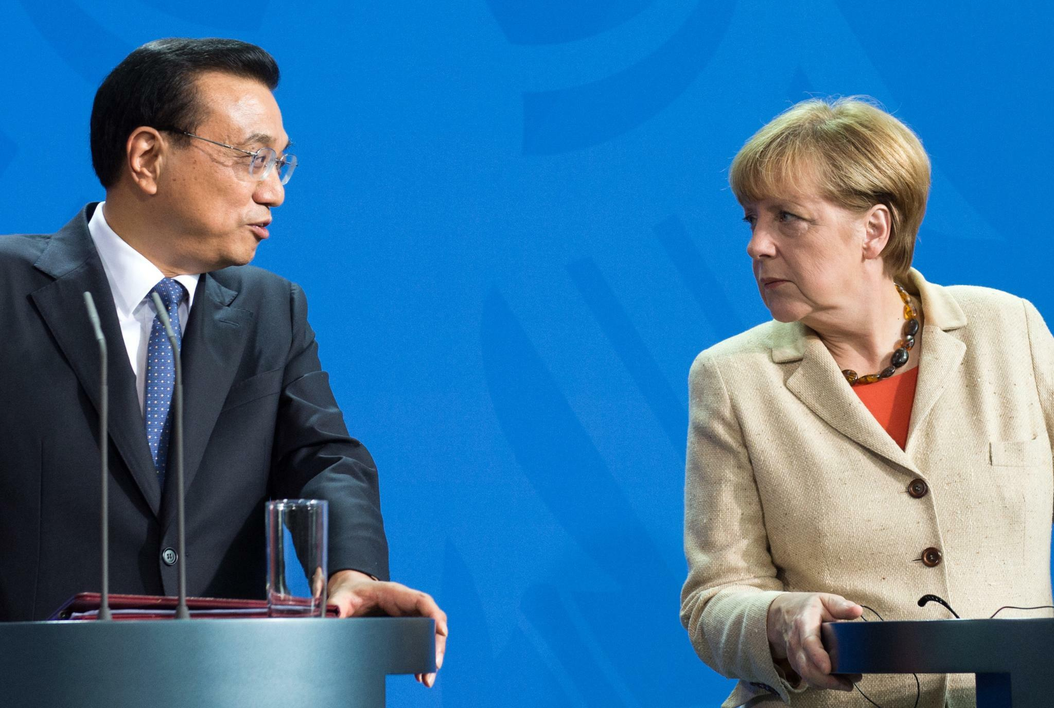 International | Merkel trifft Chinas Premier Li - Abgrenzung von Trump?