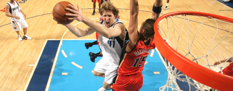 Dirk Nowitzki (links)