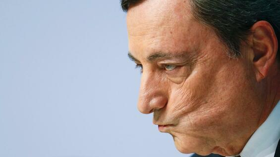 EZB-Chef Mario Draghi am 21. April 2016 in der Pressekonferenz in Frankfurt am Main.
