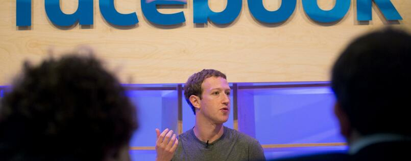 Facebook-Chef Mark Zuckerberg spricht im Februar 2016 in Berlin im Facebook Innovation Hub.