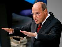 German faction leader of The Left Party Gregor Gysi gestures as he gives his last speech as faction leader at the lower house of parliament Bundestag on Germany's 2016 budget in Berlin, Germany September 9, 2015. REUTERS/Fabrizio Bensch - LR2EB990LYYV6