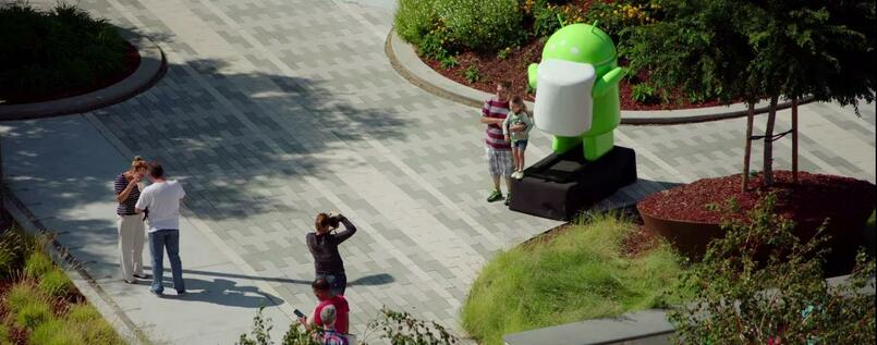 Die neueste Figur vor dem Googleplex in Mountain View in Kalifornien ist der Marshmallow-Mann. Er steht für die nächste Android-Version 6.