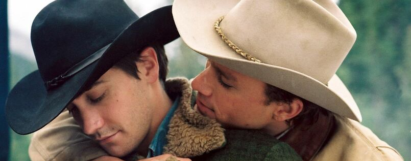 "Jake Gyllenhaal (links ) und Heath Ledger in dem Filmdrama ""Brokeback Mountain"" um zwei schwule Cowboys."