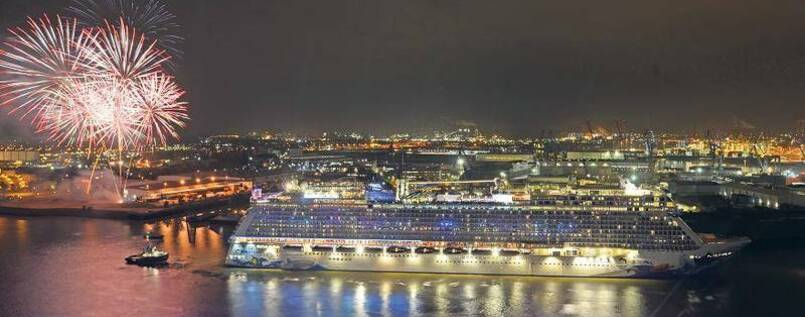 "Party für die ""Norwegian Escape"" in Hamburg. Getauft wird der Schiffsriese dann am 9. November in Miami."