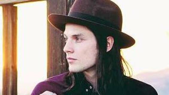Der britische Songwriter James Bay.