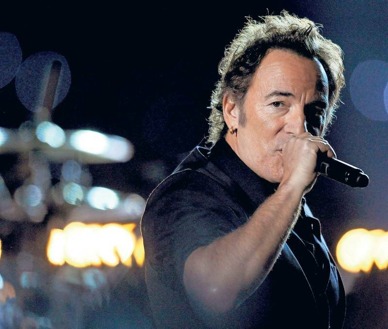 bruce springsteen super bowl essay To bruce springsteen's credit, he made it clear from the start that his performance  with the e street band at the halftime show of super bowl.