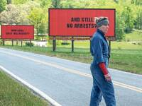 "Kämpferin. Frances McDormand sucht als Mutter in ""Three Billboards Outside Ebbing, Missouri"" mit Plakaten nach dem Mörder ihrer Tochter."