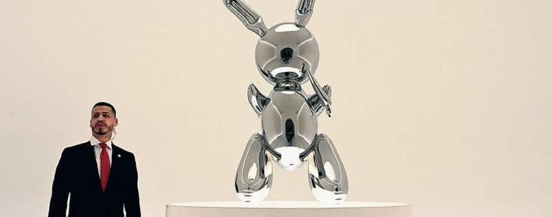 "Bling-Bling. Jeff Koons' ""Rabbit"" mit Wachpersonal."