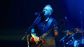 Bernard Sumner mit New Order in Berlin.