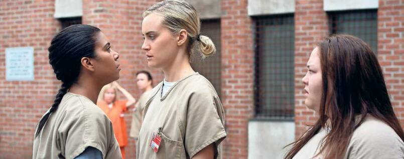 "Maria (Jessica Pimentel) und Piper (Taylor Schilling) geraten in den neuen Folgen von ""Orange is the New Black"" aneinander."