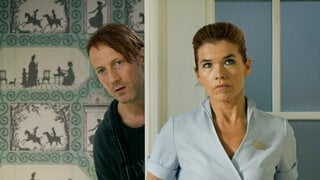 "Anke Engelke und Wotan Wilke Möhring in ""Happy Burnout""."