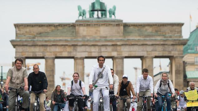 """Ride of Silence"" in Berlin: Tausende gedenken toter Radler"