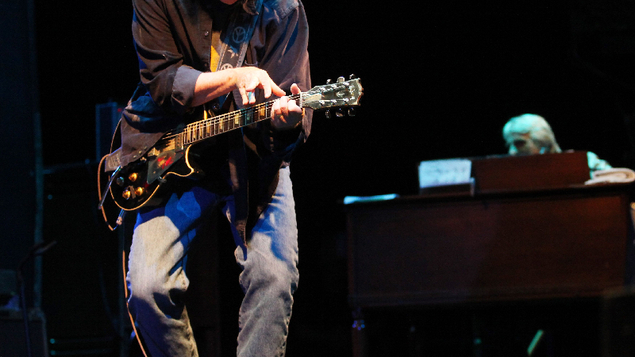 Konzertkritik neil young der schmerztherapeut pop for Spiegel young money