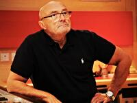 Der Musiker Phil Collins im Studio.