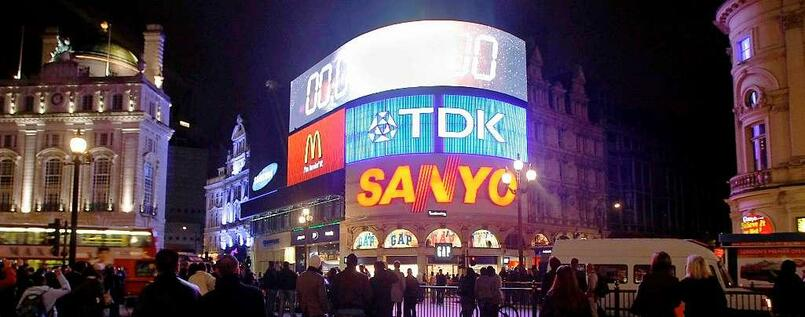 Analoges Geblinke: Was am Piccadilly Circus in London als Attraktion gilt, macht im Internet Ärger.