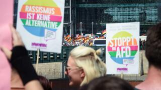 Protest gegen eine AfD-Demonstration in Berlin