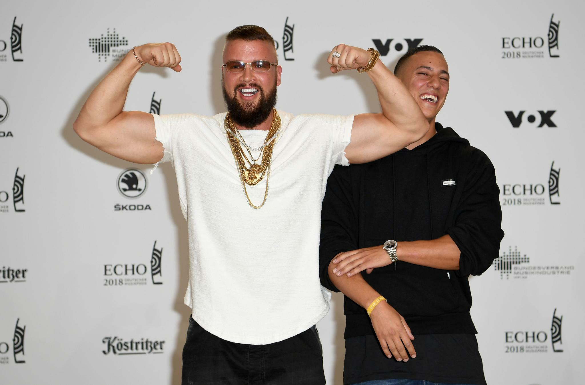 farid bang und kollegah erster auftritt der rapper nach dem echo eklat kultur tagesspiegel. Black Bedroom Furniture Sets. Home Design Ideas