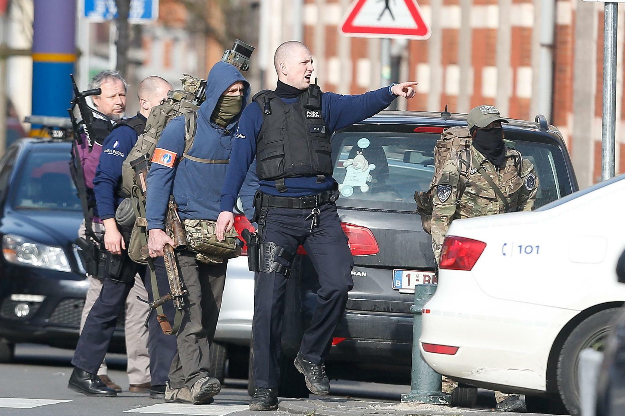 http://www.tagesspiegel.de/images/shootout-in-brussels-during-police-raid/13327532/1-format43.jpg