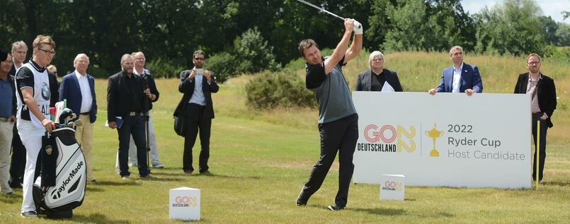 Golflegende Nick Faldo auf dem nach ihm benannten Platz in Bad Saarow.