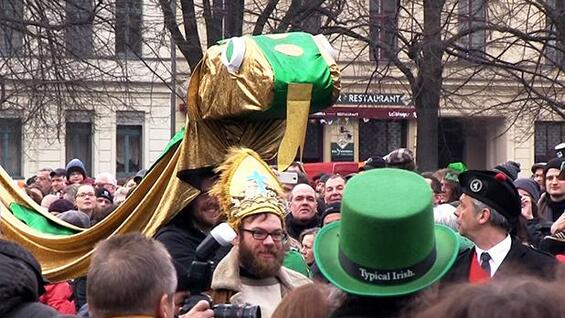 Parade zum St. Patrick´s Day in Kreuzberg