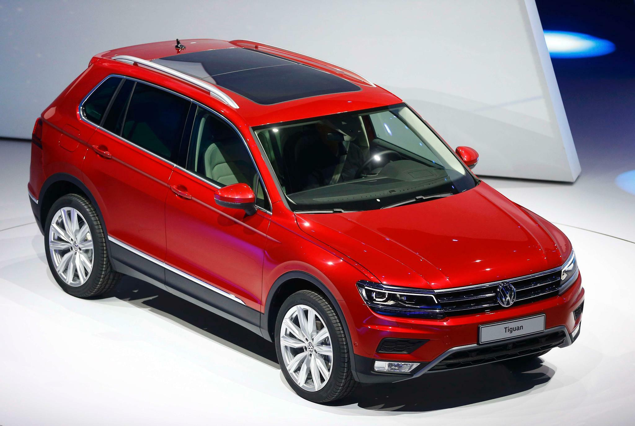 der neue vw tiguan 2015 kantiger und schlauer. Black Bedroom Furniture Sets. Home Design Ideas