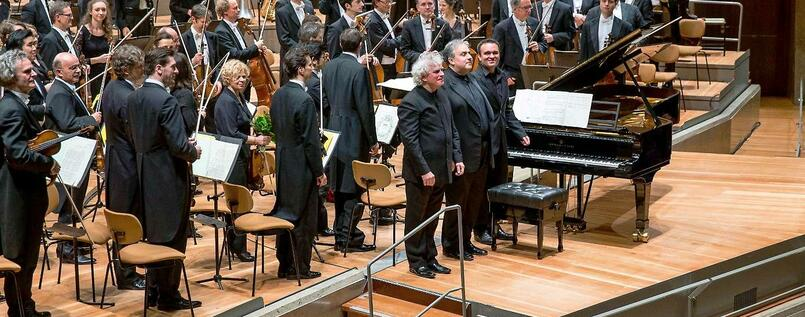 Simon Rattle (links), Yefim Bronfman und Jörg Widmann am 18.12.2014 in der Philharmonie