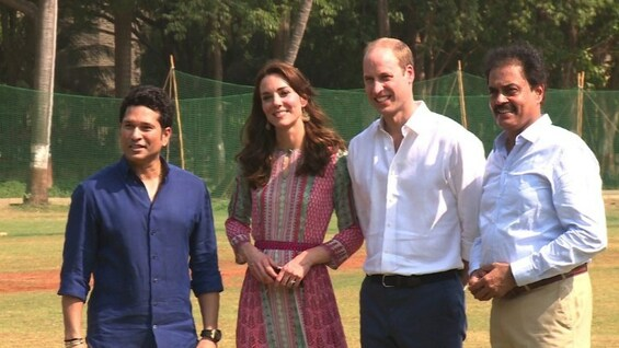 William und Kate spielen Cricket in Mumbai