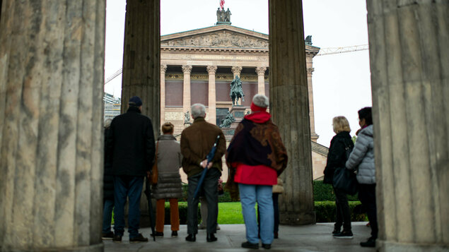 Attack On Works Of Art In Berlin Jens Spahn Infected With Coronavirus Pledge Times
